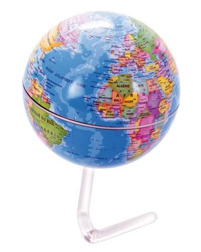 globe terrestre 10 cm avec pays en couleurs d co enfant. Black Bedroom Furniture Sets. Home Design Ideas