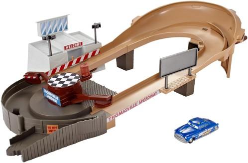 circuit sans piles cars thomasville racing speedway avec hudson hornet