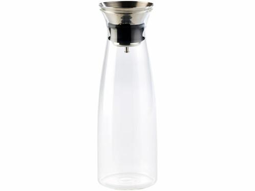 Carafe en verre avec passoire intégrée