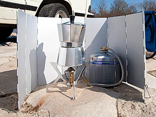 Paravent pliable pour réchaud à gaz