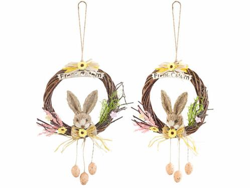 Deux couronnes de Pâques avec un lapin.