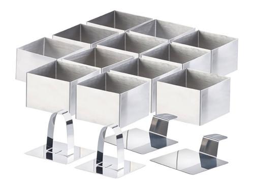 12 emporte-pièces carrés 7,5 x 7,5 cm avec poussoirs et supports