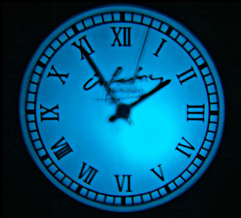 horloge analogique avec projection lumineuse murale 3 filtres. Black Bedroom Furniture Sets. Home Design Ideas
