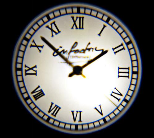 Horloge analogique avec projection lumineuse murale 3 filtres for Horloge lumineuse