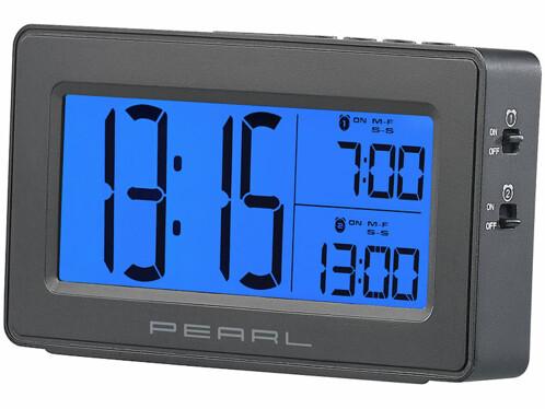 Réveil numérique avec écran bleu XL vu de trois-quart.