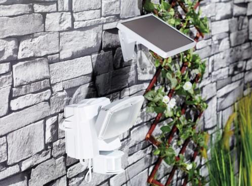 spot led ext rieur solaire avec d tecteur de mouvement. Black Bedroom Furniture Sets. Home Design Ideas