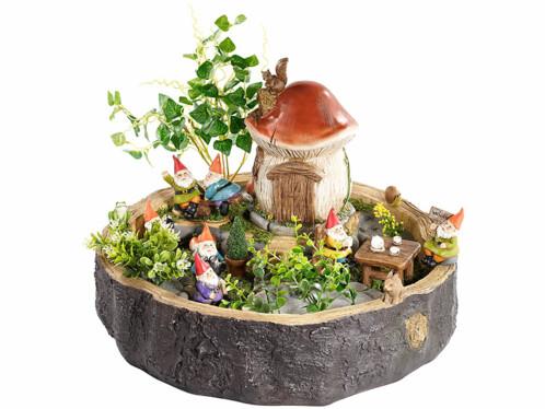 """Souche décorative """"Les nains et leur maison champignon"""""""