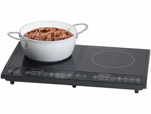 Mise en situation de la double plaque de cuisson à induction Rosenstein & Söhne.