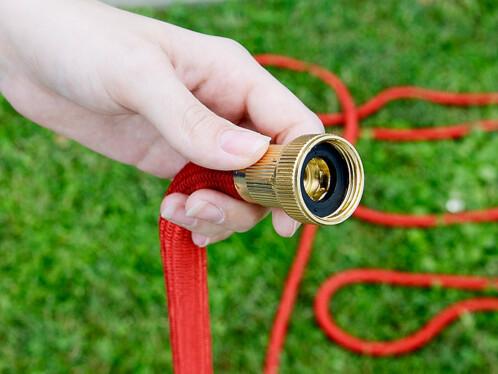 tuyau d'arrosage extensible rouge 17 m à 50 m royal gardineer