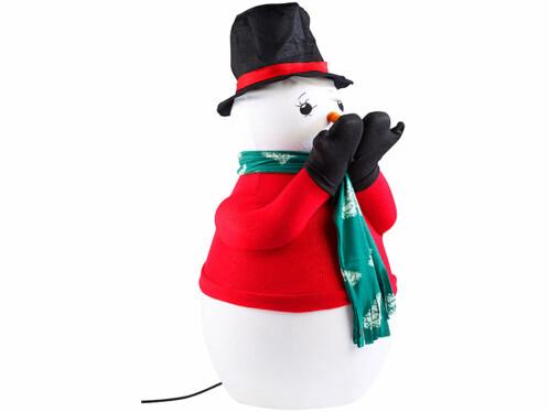 Bonhomme de neige avec lanceur à neige