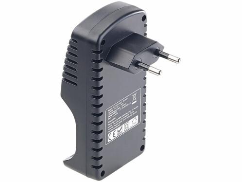 chargeur pour accumultateurs AA et AAA LR6 LR44 sur prise avec 2 accus offerts