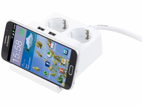Multiprise de bureau Revolt avec support smartphone.