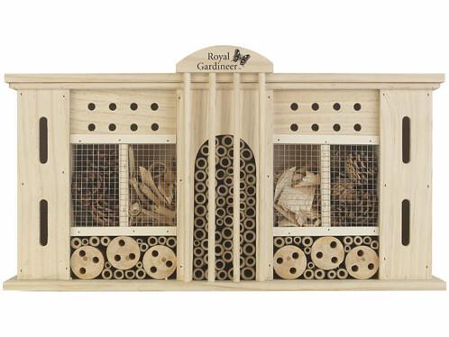 """Hôtel à insectes XXL modèle """"Grand Hotel"""" par Royal Gardineer."""