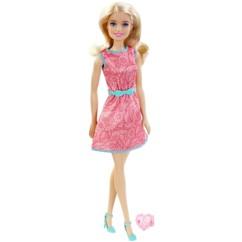 barbie friends collection barbie jupe rose avec bague coeur rose