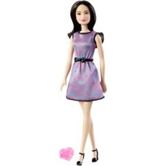 barbie friends collection lea jupemauve avec bague coeur rose
