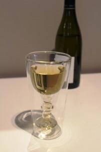 Verre isotherme a double paroi style verre a vin a pied