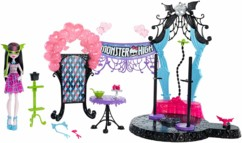 set complet monster high dance the fright away avec poupée draculaura piste de danse lumineuse et trepied photo pour smartphone