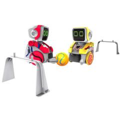 Deux robots Silverlit Kickabot.