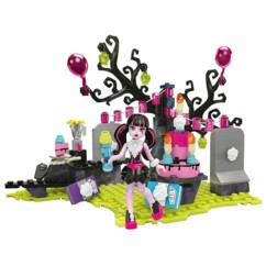 Monster High : L'anniversaire de Draculaura un jeu Mega Blocks.