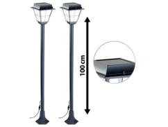 Deux lampadaires de jardin hybride à LED par Lunartec.