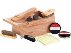 Coffret à cirage en bois de cèdre avec repose-pied intégré - Avec accessoires