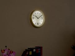 horloge murale analogique avec radio pilotage detecteur de luminosité et led intégrés