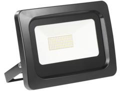 projecteur led haut efficacité energetique 50w blanc chaud étanche pluie et neige fixation murale luminea