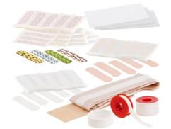 assortiment de premiers soins avec pansements sparadraps adhésifs sutures