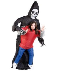 Costume gonflable ''Faucheuse et sa victime''
