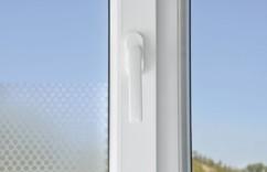 Film auto-adhésif décoratif pour vitre et fenêtre - ''Points''
