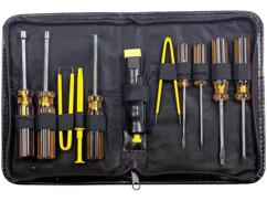 Trousse à outils avec tournevis et pince spécial entretien PC et ordinateurs