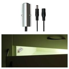 Installation d'un capteur infrarouge Vellight pour ruban LED dans une armoire.