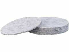 Lot de 6 dessous-de-plats en feutre gris clair.