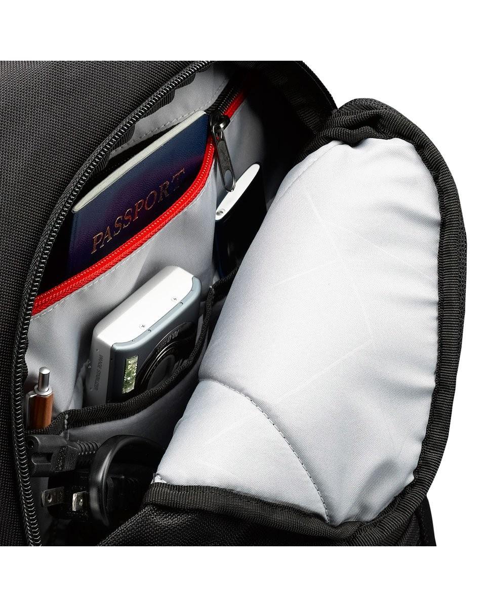 5468c0f7c7 Sac à dos pour PC portable et MacBook 14'' - CaseLogic DLBP-114 Zoom. Zoom.  Zoom
