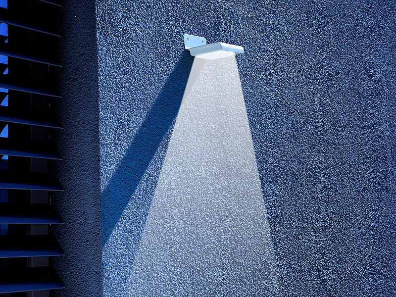 veilleuse murale led solaire 0 5 w avec capteur pir et. Black Bedroom Furniture Sets. Home Design Ideas