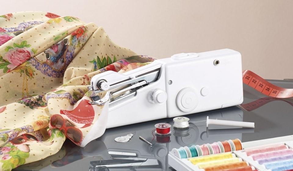 mini machine coudre de voyage ultra l g re pas ch re. Black Bedroom Furniture Sets. Home Design Ideas