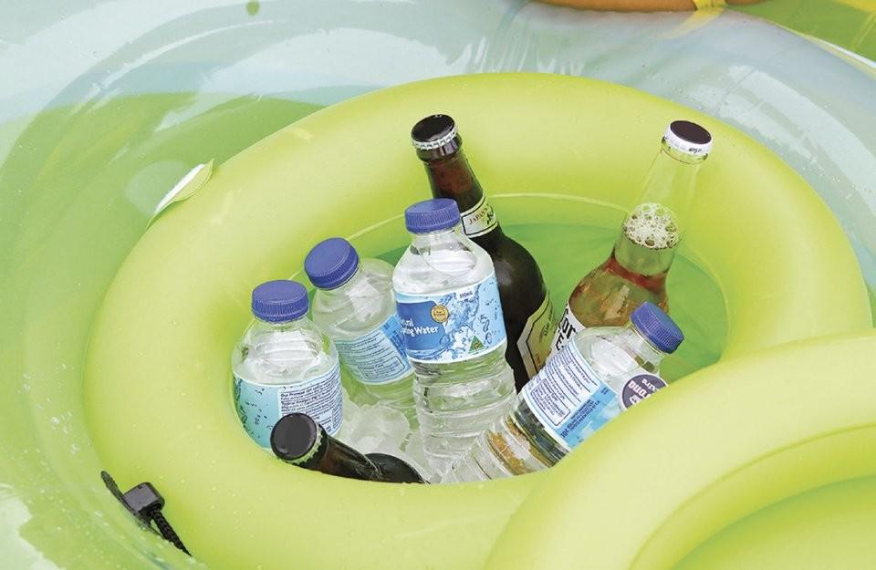 Ilot gonflable flottant 200 cm pour piscine avec for Article pour piscine