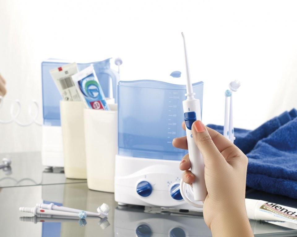 Jet d eau dentaire jet dentaire oral b waterjet un - Hydropulseur dentaire pas cher ...