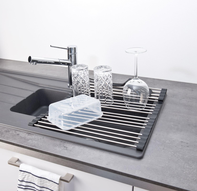 tapis gouttoir vaisselle et repose plats enroulable en acier. Black Bedroom Furniture Sets. Home Design Ideas
