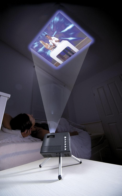 mini vid oprojecteur qvga pour pr sentations avec port usb. Black Bedroom Furniture Sets. Home Design Ideas