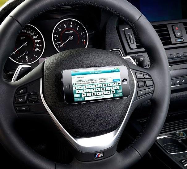 Support pour volant auto adh sif pour t l phone et gps for Porte telephone voiture